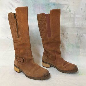 Size 9 Timberland waterproof suede leather boots